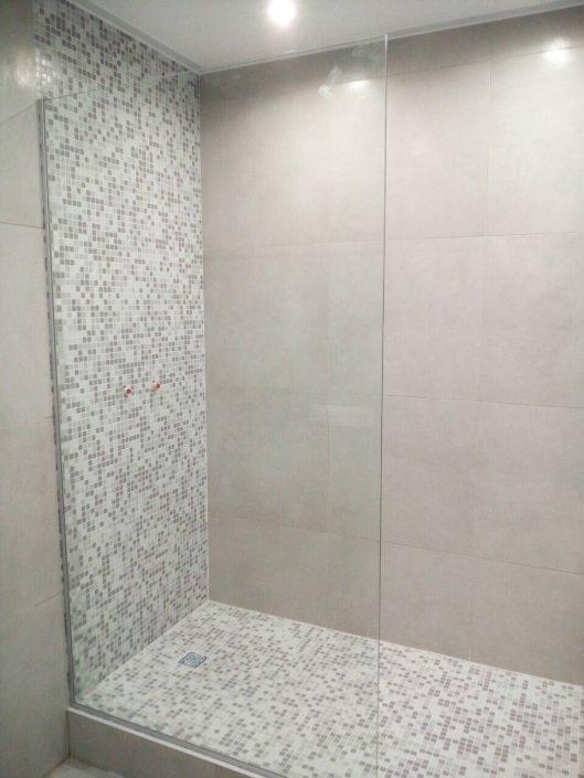 стеклянная шторка в ванную Минск