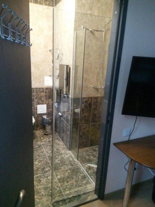 Душевые перегородки из стекла в Минске
