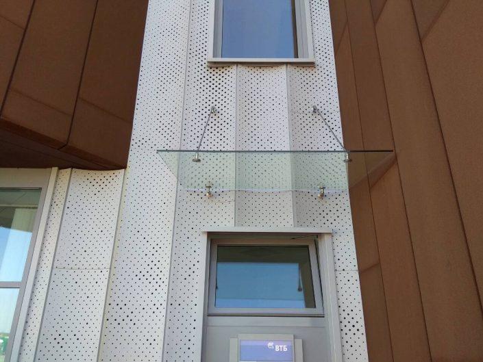 Козырек из стекла в Минске