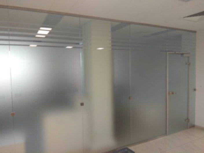 алюминиевые перегородки со стеклом для офиса