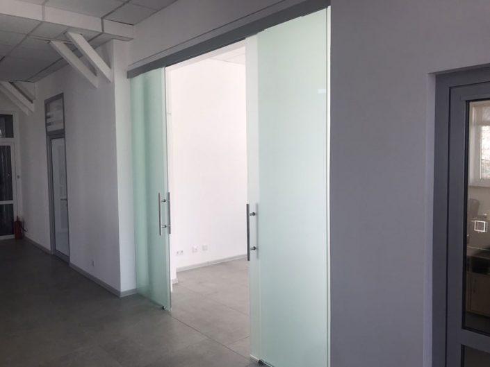 офисные перегородки с дверью